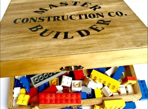 Wooden LEGO Box with free pattern